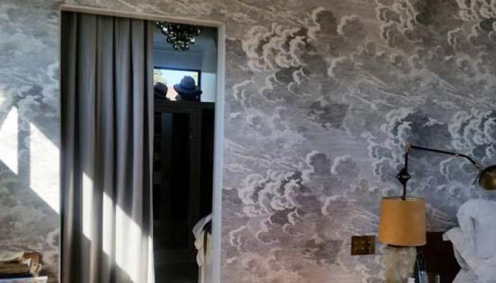 drapes-door